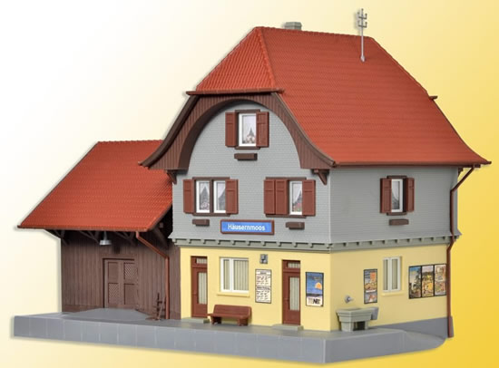 Kibri 39490 - H0 Station Häusernmoos Emmental incl. house illumination starter set