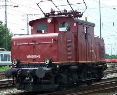 KM1 106908 - German Electric Locomotive E 69 05 of the DB (red)