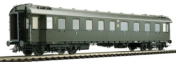 KM1 202841 - German Passenger German Passenger Coach D 28, ABC4ü-29, DRG Ep. II, NEM