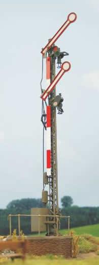 KM1 400441 - Two Arm Uncoupled Semaphore Signal with Digital Decoder, Servo incl. Decoder, PropangasLatern, DB