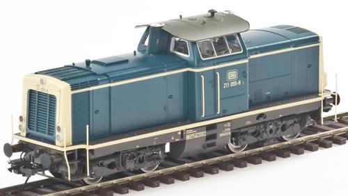 LenzO 40132 - Diesel locomotive BR211 red  Ep. IV