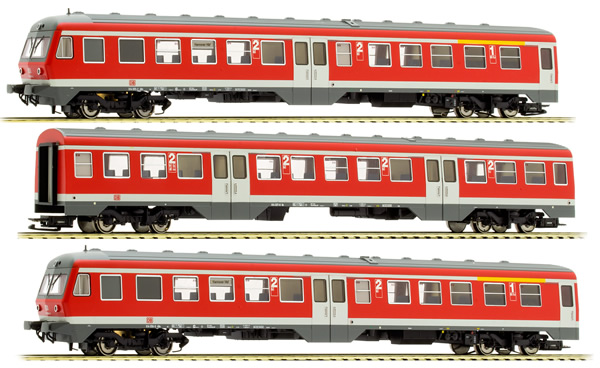 Liliput 133159 - German 3pc RailCar Set DMU BR 614 of the DB AG - Red