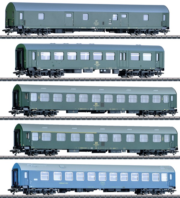 Marklin 42982 - DR/DDR GDR German State Railroad Passenger 5-Car Set, Era IV