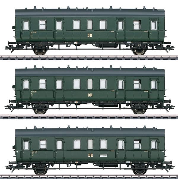 Marklin 46395 - German Passenger 3-Car Set of the DR