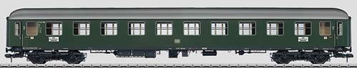 Marklin 58024 - DB type Büm-61 Express Train Passenger Car