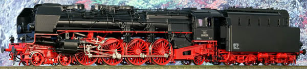 Micro Metakit 06301H - German German DR Class 08 Black/Red Livery