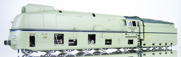 Micro Metakit 07300H - Streamlined Express Locomotive BR 03.10