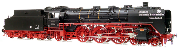 Micro Metakit 11324H - BR 03 042 Express Locomotive Black/Red Livery