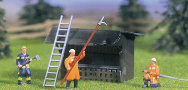 Noch 11475 - Fire-Fighting Operation 3 figures, 1 hut, accessories
