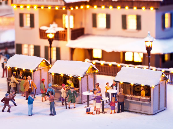 Noch 12026 - At the Christmas Market