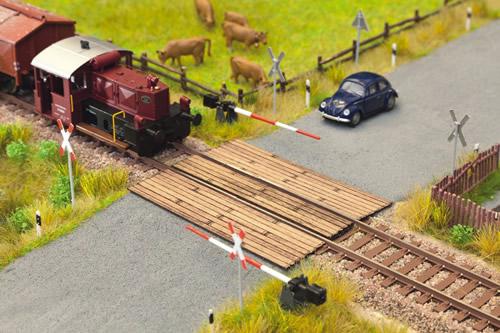 Noch 14305 - Wooden Plank Crossing