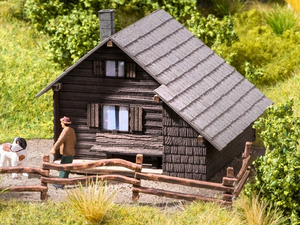Noch 14339 - Mountain Shelter