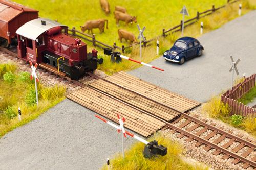 Noch 14424 - Wooden Plank Crossing