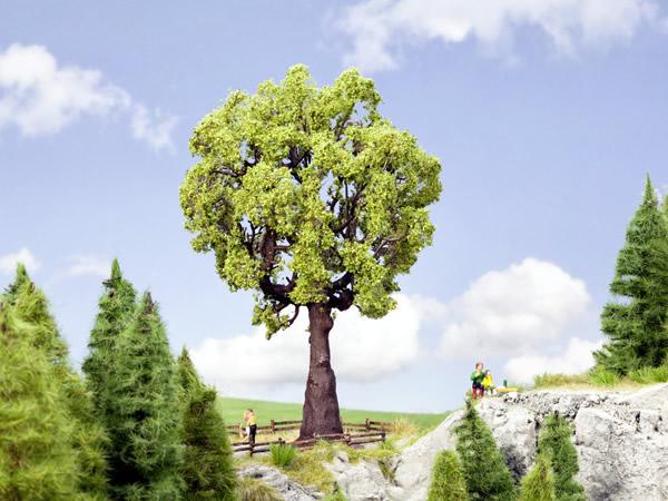 Noch 21761 - Oak Tree, 19 cm high