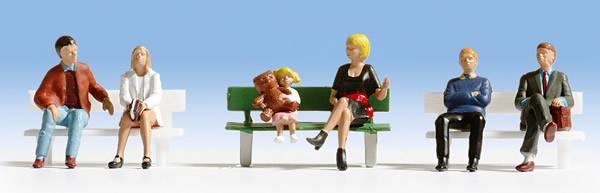 Noch 36530 - Sitting People (with 1 bench)