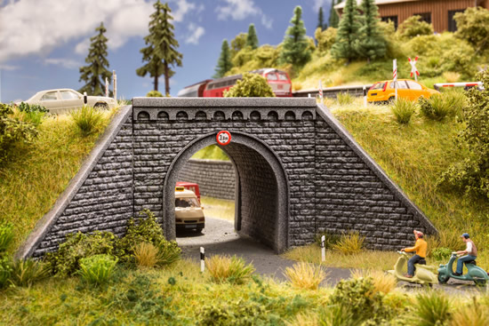 Noch 58292 - Underpass