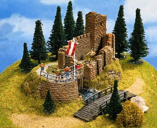 Noch 58602 - Castle Ruin, 16 x 13 cm, 10 cm high