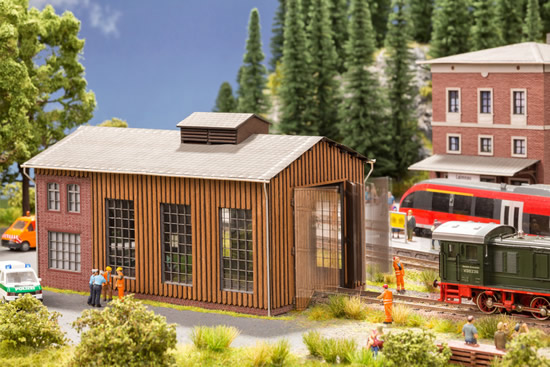 Noch 66201 - Small Engine Shed with micro-motion Gate Drive