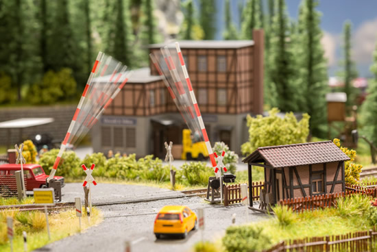 Noch 66260 - micro-motion Level Crossing with Signalmans House