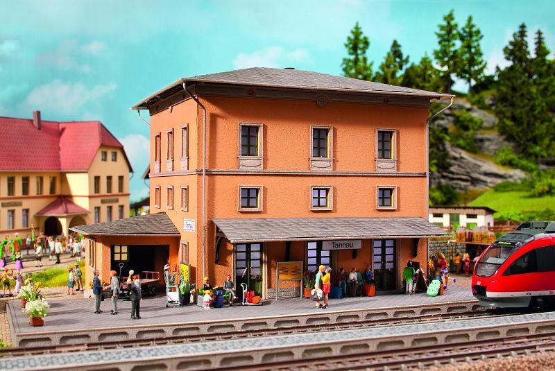 Noch 66004 station tannau for 66004