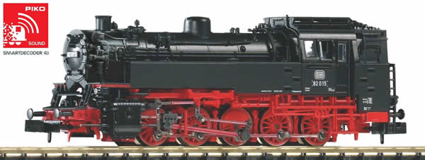 Piko 40105 - German Steam Locomotive BR 82 with surface preheater of the DB (Sound)