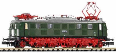 Piko 40302 - German Electric Locomotive BR 218 of the DR