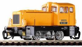 Piko 47303 - German Diesel Locomotive 102 of the DR