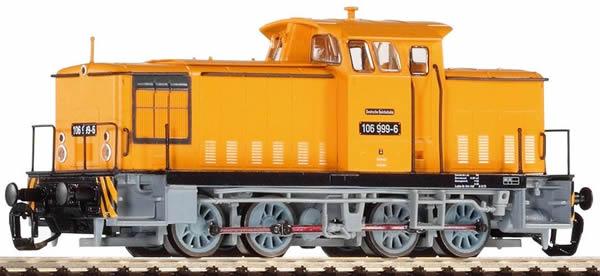 Piko 47361 - German Diesel Locomotive BR 106.2-9 of the DR