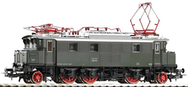Piko 51007 - German Electric Locomotive BR E 04 of the DB