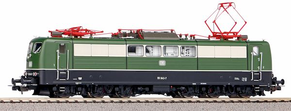 Piko 51317 - German Electric locomotive BR 151 of the DB (Sound)