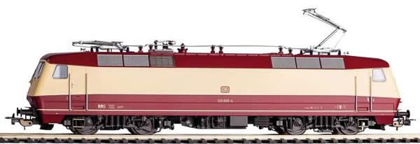 Piko 51321 - German Electric Locomotive 120 005-4 of the DB