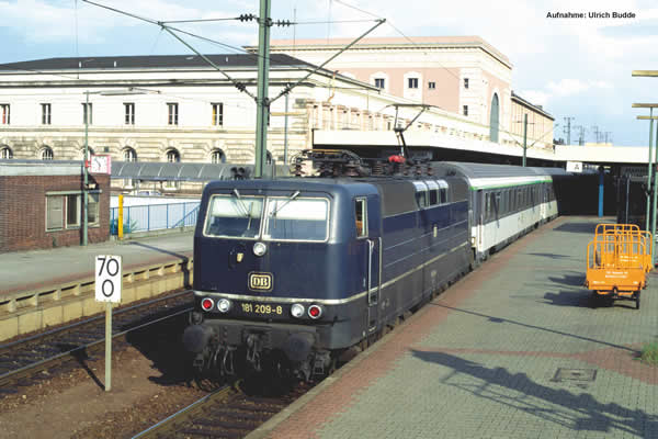 Piko 51343 - German Electric Locomotive BR 181.2 of the DB (Sound)