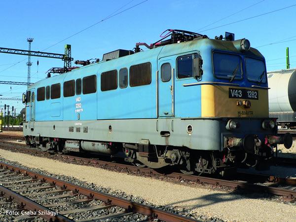 Piko 51433 - Hungarian Electric Locomotive BR V 43 of the MAV (Sound)