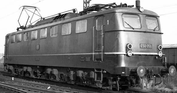 Piko 51649 - German Electric Locomotive BR E 50 of the DB