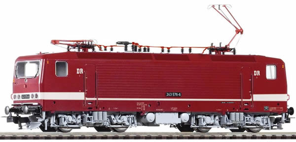 Piko 51702 - German Electric Locomotive BR 243 of the DR