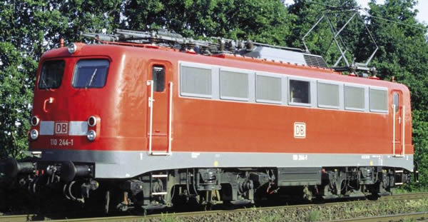 Piko 51735 - German Electric Locomotive BR 110 of the DB AG