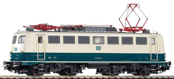 Piko 51737 - German Electric Locomotive BR 110 of the DB