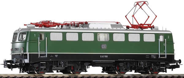 Piko 51750 - German Electric Locomotive BR E40.11 of the DB
