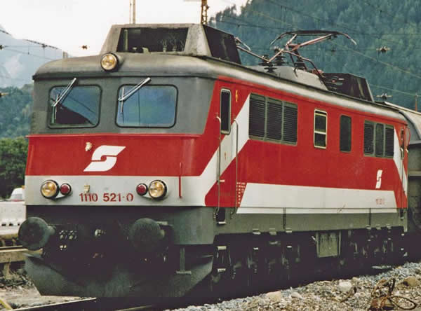 Piko 51764 - Austrian Electric Locomotive series 1110.5 of the ÖBB (Sound)
