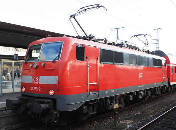 Piko 51843 - German Electric Locomotive BR 111 of the DB AG (Sound)