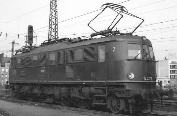 Piko 51861 - German Electric Locomotive BR 118 of the DB