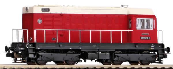 Piko 52420 - German Diesel locomotive BR 107 of the DR