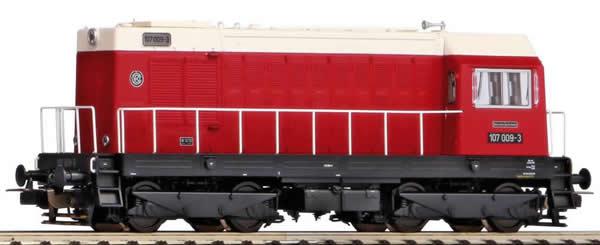 Piko 52421 - German Diesel locomotive BR 107 of the DR