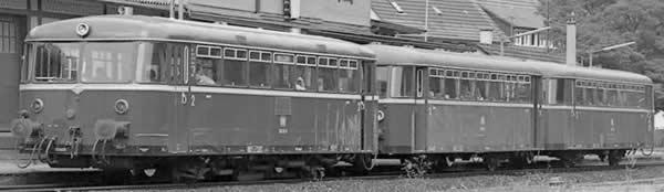 Piko 52721 - German Diesel Railcar 798 & Trailer 998.6 of the DB