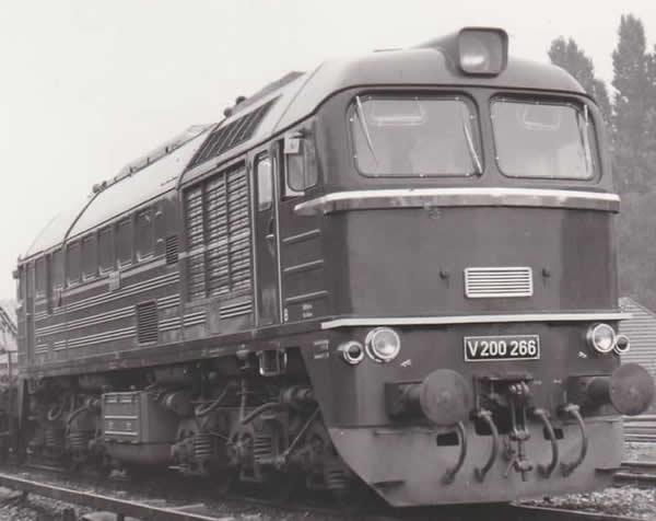 Piko 52802 - German Diesel Locomotive BR V 200 of the DR (DCC Sound Decoder)