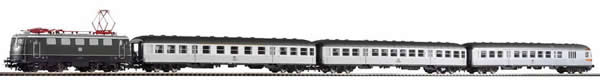 Piko 58113 - German Train Set with Electric Locomotive BR 141 & 3 Passenger Cars of the DB