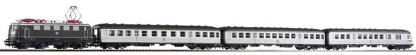 Piko 58213 - German Train Set with Electric Locomotive BR 141 & 3 Passenger Cars of the DB