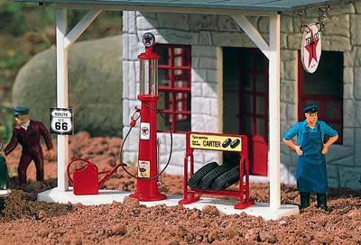 Piko 62286 - Texaco Gas Pump & Accessories