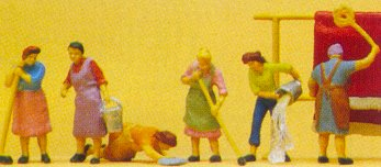 Preiser 10059 - Housewives working     6/