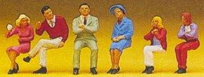 Preiser 10096 - Seated people #2       6/